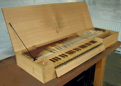 [Picture of Early Spanish fretted clavichord]